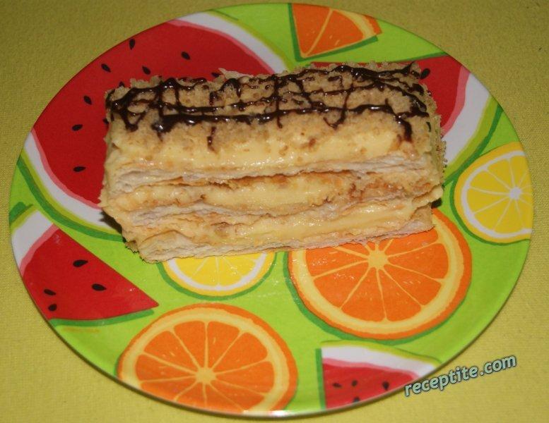 Снимки към Бутер сладкиш с крем и орехи
