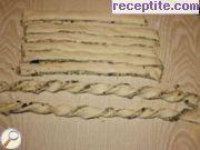 снимка 4 към рецепта Соленки от бутер тесто с маслини и сирене