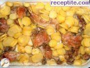 снимка 3 към рецепта Печено пиле с гъби и картофи