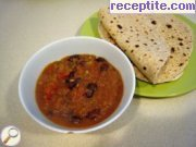 Vegetarian curry with red beans (Rajma)