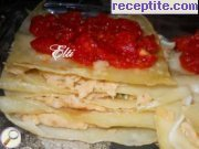 снимка 2 към рецепта Пържена паста с пюре от фасул и доматен сос