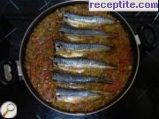 Mackerel with peppers in tomato sauce