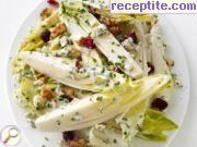 Salad of chicory and blue cheese