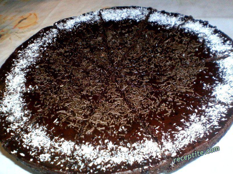 Снимки към Шоколадов сладкиш с майонеза