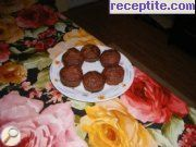 Muffins with apples, chocolate and hazelnuts