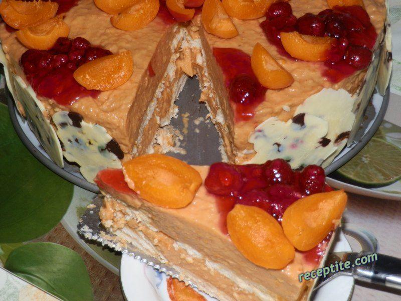 Снимки към Торта парфе с кайсии и бисквити