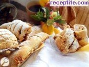 Strudel with quince and apples