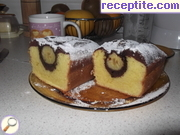 Sponge cake with whole banana