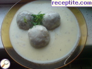Meatballs with white sauce and garlic