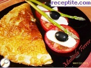 Omelet with mozzarella and asparagus