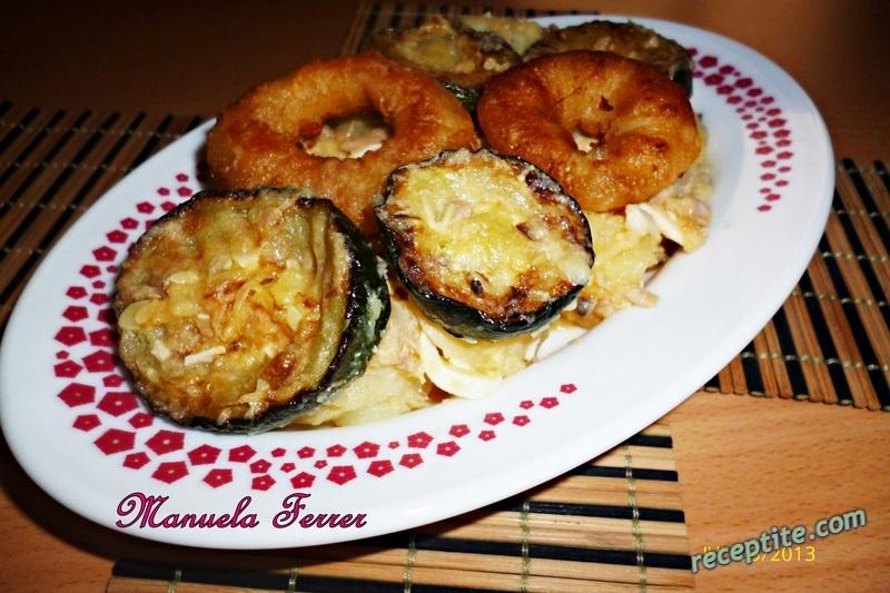Снимки към Салата с картофи, риба тон и печена тиквичка