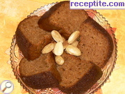 Sponge cake with almonds and jam