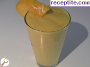 Fluffy smoothie with mango and poppy