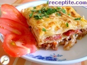 Lasagna with minced meat and bechamel sauce