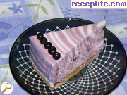 Layered cake with cottage cheese and blueberries