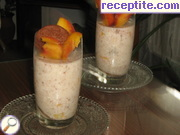 Jellied yogurt with fruit