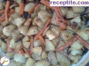 Potatoes roasted with carrots, onions and mushrooms
