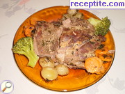 Veal roast with small onions
