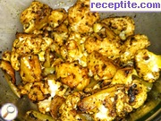 Cauliflower with chickpeas and curry oven