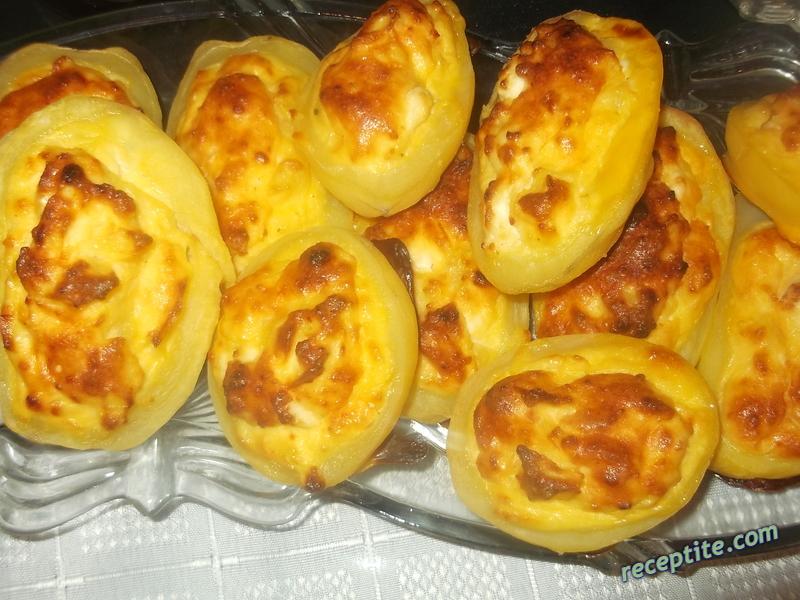 Снимки към Пълнени картофи с чеснов сос