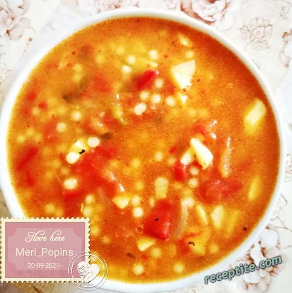 Снимки към Есенна супа с чушки, бейби картофки и кускус